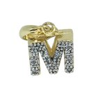 Pingente Letra M Alfabeto Semijoia Banho de Ouro 18k Zircônia Acabamento em Ródio