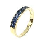 Anel Meia Aliança Semijoia Banho de Ouro 18k Cravação de Zircônia Azul Safira Detalhe em Ródio Negro
