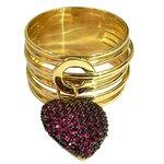 Anel Berloque de Coração em Ouro 18k cravejado com Rubis Sintéticos