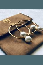 Argolas com Pérolas Shell- Handmaid Exclusive Design