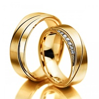 Aliança de Casamento Trabalhada com Diamantes