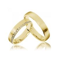 Aliança de Casamento Cravejada na Lateral com Diamantes