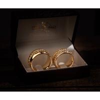 Aliança em Ouro 18k Trança com Diamantes