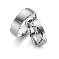 Aliança de Casamento com Diamantes Brancos e Diamantes Negro