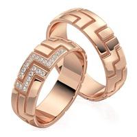 Aliança em Ouro 18k Trabalhada com Diamantes