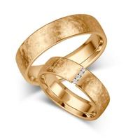 Aliança de Casamento Ouro 18k com Diamantes