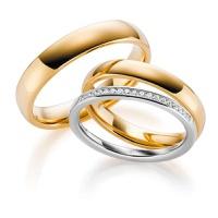 Aliança de Casamento com Meia Aliança de Diamantes