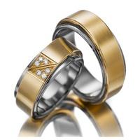 Aliança de Casamento em Ouro 18k com Diamantes