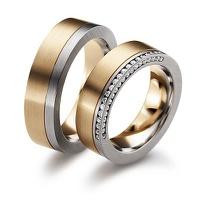 Aliança de Casamento em Ouro 18k com Lateral Cravejada