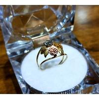 Anel em Ouro 18k Cacho de Flores