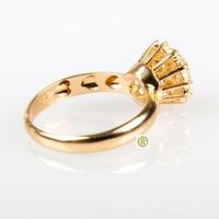 Anel em Ouro amarelo 18k 750 com Esmeralda e Brilhantes