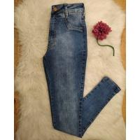 Calça Jeans Pilily com Cinta Modeladora Tom Médio