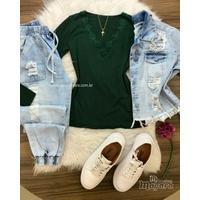 Blusa Básica Renda no Decote Verde