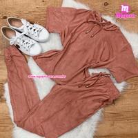 Conjunto Rosa Calça e Blusa Suede