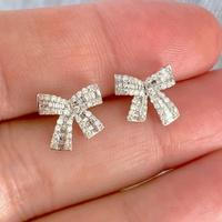 Brinco Laço de Ouro Branco 18K com Diamantes - MI14333 - MICHELETTI JOIAS