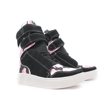 Tênis Sneaker Cano Alto Preto e Camuflado Rosa - KLMASTERFITNESS