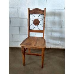 Cadeira com ferragem flor - CA06 - ARTEMINEIRAMOVEISRUSTICOS