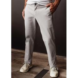 Calça de Sarja Peletizada Comfort Cinza - 79000520... - Basilio Brazilian Wear