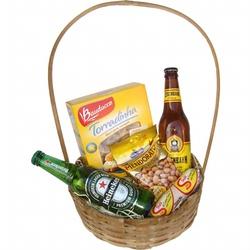 Cesta cerveja e aperitivos - 9822 - Bellas Cestas Online Salvador