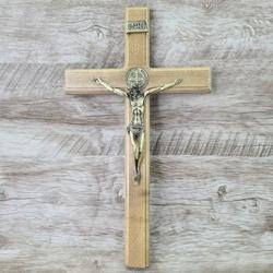 Crucifixo Mesa e Parede -Madeira com medalha de Sã... - Betânia Loja Católica
