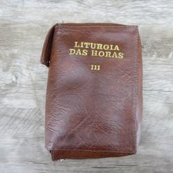 Capa em couro Liturgia das Horas - Marrom Volume I... - Betânia Loja Católica