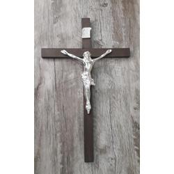 CRUCIFIXO PAREDE ESTILIZADO C/MADEIRA - PRATA 26 X... - Betânia Loja Católica