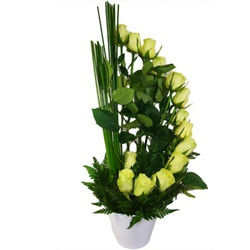 Ikebana de Rosas Brancas - FLORABARIGUI