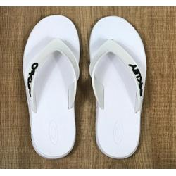 Chinelo Oakley Branco - CO360 - DROPA AQUI