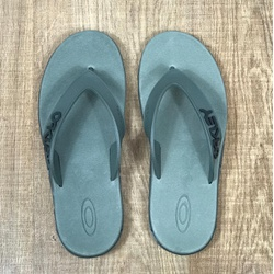 Chinelo Oakley Cinza - CO361 - RP IMPORTS