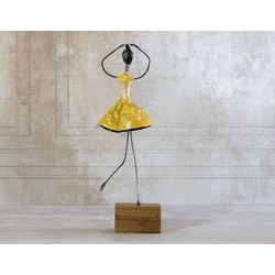 Escultura Bailarina - Casa de Cora