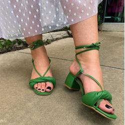 Sandália tira soft verde oliva Donna Clô - 3694.67... - DONNACLO