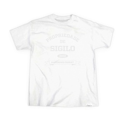 Camiseta Sigilo Propriedade de Sigilo Branca - 222 - DREAMSSKATESHOP