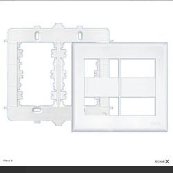 Placa 4x4 Com Suporte Para 4 Modulos Evidence Fame - FERRAGENS & BAZAR