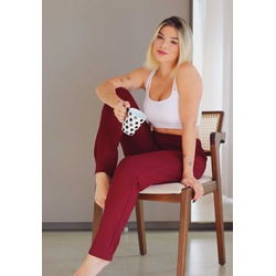 Pijama Meia Estação Top Branco em Cotton e Calça Bordô em Moletinho