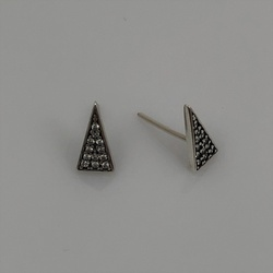 Brinco Triângulo Cravejado de Zircônias em Prata 925