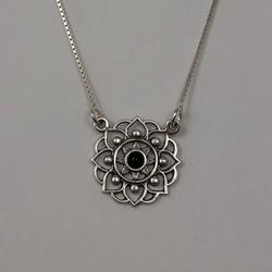 Gargantilha Flor em Prata 925