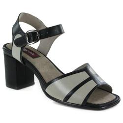 Sandália Em Couro Alta Preta J.Gean Outlet - BP00... - J.Gean