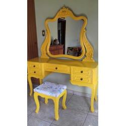 Penteadeira Amarela Provençal Madeira Maciça Com B... - MOVEIS ANTIGUS