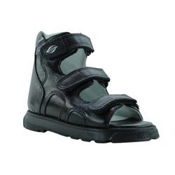 Sandália cano alto 3 velcros em couro preto - PC30... - Orthocalce