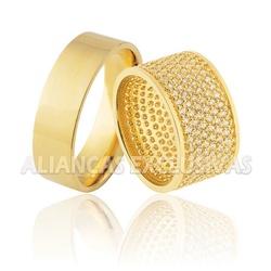 Alianças Largas Cravejada com Diamantes em Ouro 18... - Ouro Vale Joias