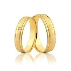Par de Aliança Tradicional Diamantada com Diamante... - Ouro Vale Joias