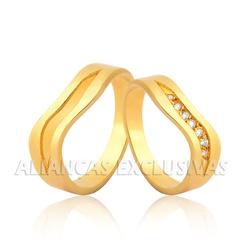 Aliança Personalizada com Diamantes 18k - OV/1058 - Ouro Vale Joias