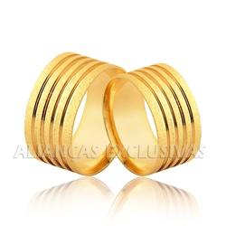 Aliança Grossa com Frisos e Diamantada em Ouro 18k... - Ouro Vale Joias