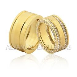 Alianças Grossas e Escovadas com 160 Diamantes - O... - Ouro Vale Joias