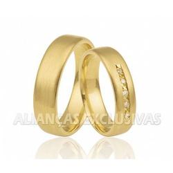 Alianças Anatômicas com Diamantes no Friso em Ouro... - Ouro Vale Joias