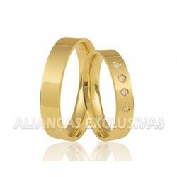 Aliança Reta com Diamantes em Ouro 10k Anatômica -... - Ouro Vale Joias