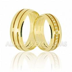 Aliança Trabalhada e com Diamantes em Ouro 18k - O... - Ouro Vale Joias