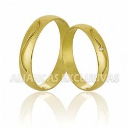 Alianças com Friso e Diamante em Ouro 18K - OV/73... - Ouro Vale Joias