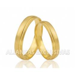 Aliança Diamantada e com Frisos em Ouro 18k - OV/... - Ouro Vale Joias