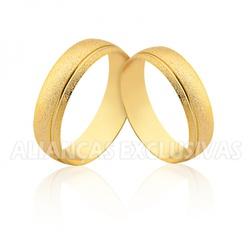 Par de Aliança Diamantada com Friso Polido em Ouro... - Ouro Vale Joias